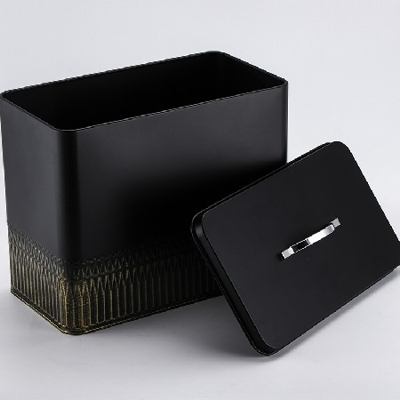 Iron square storage tank with lid